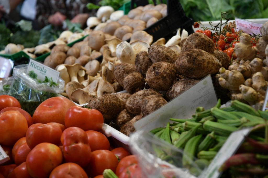 Fresh market vegetables